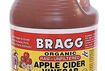 If you are experiencing thinning hair or hair loss, a wonderful home remedy that can help is apple cider vinegar