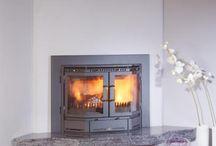 Klassieke inzet haard / De renovatie van een bestaande open haard is meestal goed en snel mogelijk met een inzet haard. De inzet haard kan relatief eenvoudig worden geïnstalleerd zonder veel sloopwerk. De installatie van een inzethaard, verhoogd het rendement van het vuur aanzienlijk.