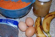 mrkvovomakový dort