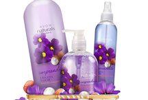 Avon Naturals / Naturals es una línea de Avon con productos para que cuides todo tu cuerpo. Hechos con elementos naturales que aseguran excelentes resultados, con deliciosos y frescos aromas.