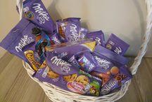 Słodycze, Kosze prezentowe. Sweet gifts. / Jak sprawić by prezent był słodki i oryginalny. Wiele z zaprezentowanych pinów, to produkty do kupienia w sklepie niespodzianka4you.pl