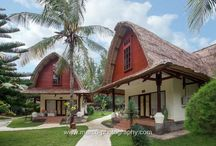 Oceano Resort Jambuluwuk Gili Trawangan / Lombok style resort located on 100meter of pristine sand beach of Gili Trawangan. Lumbung houses mix with modern touch trully relax on Island, sun& beach life