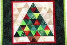 Christmas Quilting Projects / I started searching for Christmas project ideas since I have a stash of holiday fabric. Here are some inspirations I discovered.