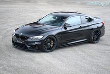 BMW M4 G-POWER / Seryjne auto napędzane jest 3-litrowym, 6-cylindrowym silnikiem rzędowym M TwinPower Turbo generującym moc 431 KM. G-Power podkręca ją do 520 KM. Sprint do setki zajmuje obecnie 3,9 sekundy.