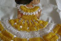 bonecas com vestidos de croche