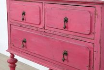 weathered furniture paint effects