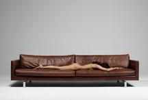 Montis Collection - Anders Style / Montis werd in 1974 in Dongen opgericht door de gebroeders Van den Berg. Bij Montis staat vanaf het begin af aan modern design en meubels met een superieur zitcomfort centraal. Montis' specialiteit is leren bekleding van hoge kwaliteit en kenmerkend voor het merk is het gebruik van uitgesproken kleuren.