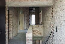 parapets columns