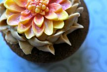 CUPCAKES / Let them eat cupcake! / by ANGELMUSE