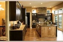 Eclectic Masterpiece - Showplace Cabinets / Pendleton RSP Door Style