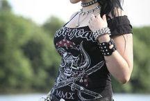 Metalheads / Headbangers