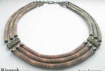 Biżuteria koralikowa sznury / biżuteria