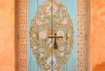 the Doors / Beautiful doors and entrances from around the world.