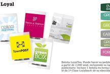 Loyal Tea ® / Directamente de las mejores plantaciones de té, situadas en las cimas de Sri Lanka, nos sentimos orgullosos de presentar LoyalTea®.  Hojas de té de primera calidad, recogidas a mano. Un concepto único que le permitirá pedir su propio té con su propia marca para que sus campañas promocionales y de marketing tengan la mayor calidad y compromiso con el medio ambiente y los trabajadores.  Solicite presupuesto en:  alser@alserregalos.com  Más artículos en: www.alserregalos.com