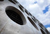 Nové divadlo v Plzni / Víte, kde stojí největší betonová skulptura v České republice?