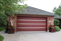 Contemporary Design / Garage Doors