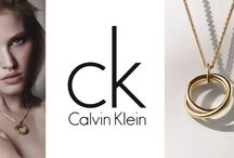 Ξεχωρίστε σε κάθε εμφάνιση με κοσμήματα του οίκου Calvin Klein!