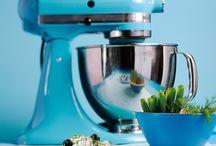 Elektrogeräte / Küchenmaschinen, Stabmixer, Blender, elektrische Messer, Entsafter, Tischgrill, Toaster, Waffeleisen, Wasserkocher und Zitronenpressen