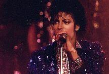 Michael Gifs✈️