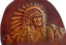kožené výrobky / výrobky z kůže,zdobené řezáním a tepáním