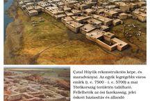 """Neolitikum ...                                      Neolithic ... / A neolitikus kultúra  különböző, és minden jel szerint egymástól elszigetelt helyen indult meg az i. e. 12. évezred körül anatóliai és közel-keleti településeken, és onnan terjedt kelet és nyugat felé. Az újkőkor vagy csiszoltkő-kor(szak) neolitikum (görög: """"neosz""""=új, """"lithosz""""=kő) a kőkorszak utolsó része kb. i.e. 4500-ig tartott. A földtörténet korszakai közül a pleisztocén végével és a holocén elejével esik egybe. Az újkőkorszak a földművelés kialakulásával kezdődik és a fém alapú eszközökelterjedésével ér véget a rézkorban, a bronzkorban, illetve a vaskorban. A kifejezés nem időbeli korszakot jelöl, hanem egy sajátos viselkedési és kulturális stílusjegyet, ami a vadászást és gyűjtögetést felváltó növénytermesztés és háziállat-tartás megjelenésével jellemezhető."""