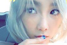 Taeyeon nails