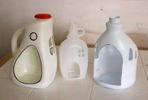 casette con bottiglie di plastica e non solo