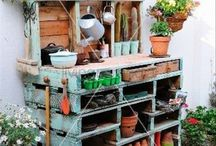 Garden pallet potting bench
