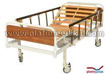 Elektrikli Hasta Karyolası (Yataksız) / Elektrikli hasta karyolası, dual 2 motorlu hasta karyolası modelidir. Ürün www.platinmedikal.com tarafından üretilip yataksız kasa halinde sunulmaktadır.