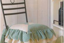 sillas vestidas