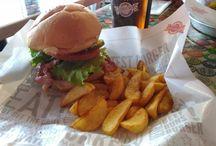 Hamburger Trip / Sporchiamoci le mani alla scoperta di hamburgherie e steakhouse di Milano e dintorni, dove la carne è la regina. LET THE HAMBURGER BE WITH YOU!