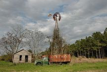 abandoned South/America / abandoned things of America  mostly the south / by Hilda Flanagan