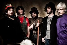 massacre / Una banda de rock y música súper
