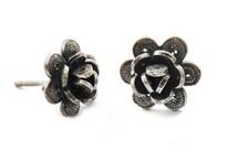 Yvone Christa / Prachtige juwelenlijn uit New York. Filligree zilver met parels en halfedelstenen.