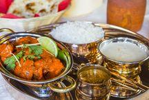 Nepalilaisia herkkuja / Nepalilaiset annokset sopivat hyvin viikonloppuillalle perheen kanssa jaettavaksi. Tilaa omasi osoitteesta www.foodora.fi