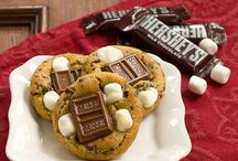 Chocolate S'MORES / S'mores recipes for ANY occasion, not just summertime!
