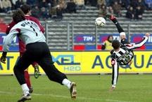 Gesti tecnici / Parate, tiri, punizioni, tackle, dribbling, colpi di tacco...ovvero trattato minimale di estetica del calcio