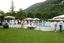 Gli aperitivi a bordo piscina / Un'estate di musica, bolle, stelle e chiacchiere tra amici a bordo piscina al Cadelach