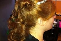 Peinados y maquillaje  / Aquí podrás ver ejemplos de recogidos y maquillajes que hemos hecho a clientas para bodas, comuniones, bautizos ...
