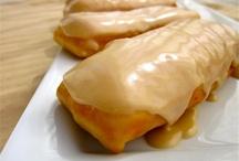 Recipes: Doughnuts & Cinnamon Rolls / by Allison Mayes