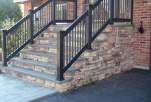 Bejárati lépcső