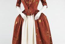 Fashion of past centuries / Módní obrázky (šaty, boty, doplňky) od nejdávnější minulosti až po současnost.