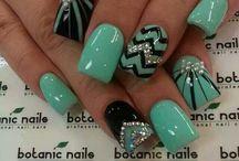 Stephanie nails / by Stephanie Arias