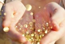 * GOLD sparkles * / Gold Sparkles. Sequins. Glitter. Shimmering.