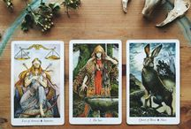 Weekly Oracle / Weekly tarot and bone draws for you!
