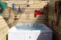 Hot Tubs / by James Bruton
