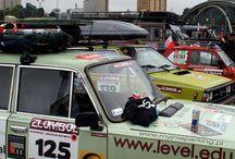 Oberfranken auf Tour: Rallye an den Nordkap / Eine Rallye ist eine extreme Belastung für Mensch & Maschine. Manchmal ist es auch ein Zittern & Bangen, ob der Wagen auch das Ziel erreicht. Wenn ein Auto 550 EUR kostet, kann man von einem Schnäppchen sprechen. Wenn man dann aber mit 4.000 EUR noch ein Vielfaches investiert, muss es schon einem Liebhaber gehören. Klaus Hertrich & sein Teamkollege geben so viel Geld für ihren Lada aus. Immerhin soll sie das 34 Jahre alte Gefährt zum Nordkap bringen, was auch geschah: http://tinyurl.com/myv73go