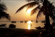 Thailand Sunsets / Thailand is home to some of the most picturesque sunsets imaginable and Koh Tao is top of the list