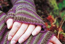 Guanti & Muffole ~ Gloves & Mittens