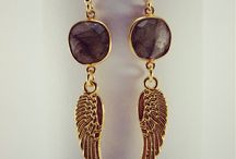 Earrings / women's fashion accessories